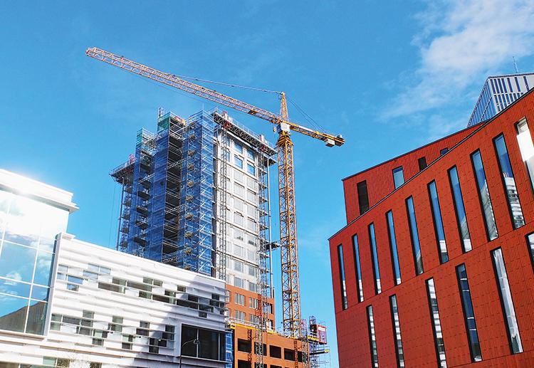 Vem bär det juridiska ansvaret vid enstegstätade fasader?