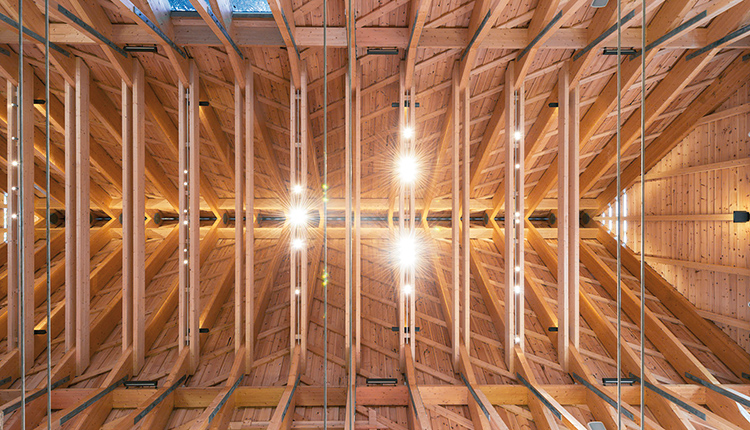 Erfarenheter av synligt  trä i takkonstruktion