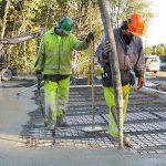 Fuktsamverkan i golvsystem med modern betong
