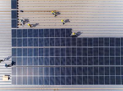 Installation av solceller och batterilager